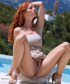 Naked rasé pussy pics hd.